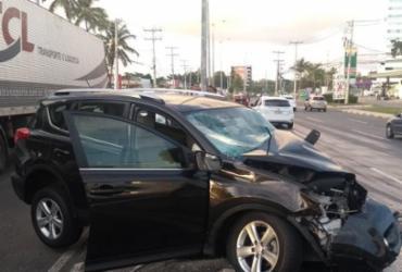 Colisão entre carro e ônibus deixa feridos na Estrada do Coco | Cidadão Repórter | Via WhatsApp
