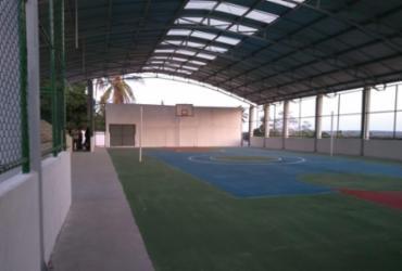Escola em Itapicuru ganha quadra poliesportiva coberta