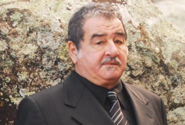 Ator é protagonista do espetáculo A Tropa, que foi adiado - Divulgação