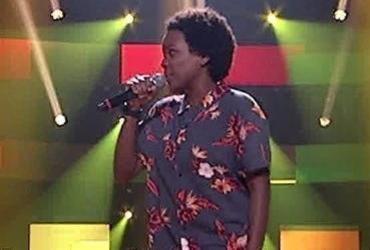 Semifinalista do 'The Voice' canta 'O Sapo Não Lava O Pé' e recebe críticas | Reprodução | TV Globo