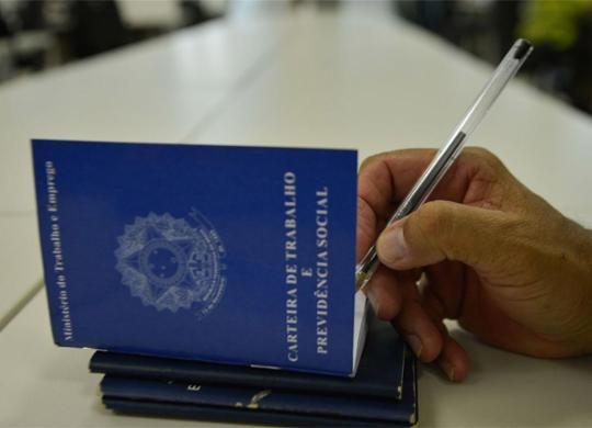 Brasil cria 110 mil empregos com carteira assinada em agosto | Marcello Casal Jr. l Agência Brasil