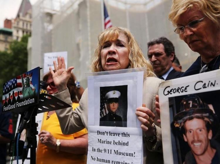 Restos mortais de mais de 1.100 vítimas ainda aguardam identificação - Foto: Spencer Platt | AFP