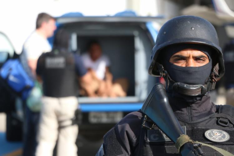 Responsável por mais de 25 homicídios, Antônio Caíque foi capturado em operação policial - Foto: Alberto Maraux | Divulgação | SSP-BA