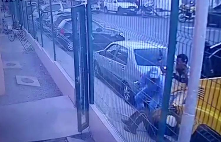 Criminosos chegaram de carro e trocaram tiros com os vigilantes - Foto: Reprodução l Instagram l @jornalatarde