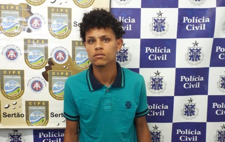 Liviton, de 19 anos, foi autuado por porte ilegal de armas e tráfico de drogas - Foto: Divulgação | SSP-BA