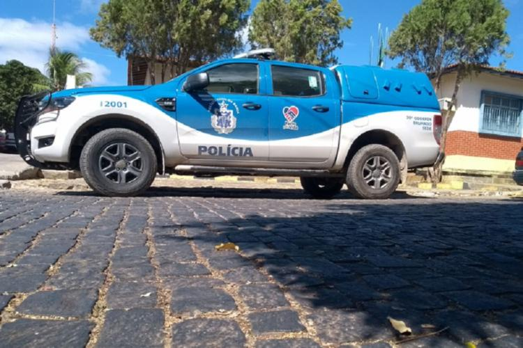 A polícia militar foi chamada e deteve o indivíduo, que foi levado para a delegacia local - Foto: Lay Amorim | Achei Sudoeste