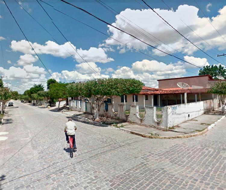 A polícia foi acionada após vizinhos sentirem odor - Foto: Reprodução   Google