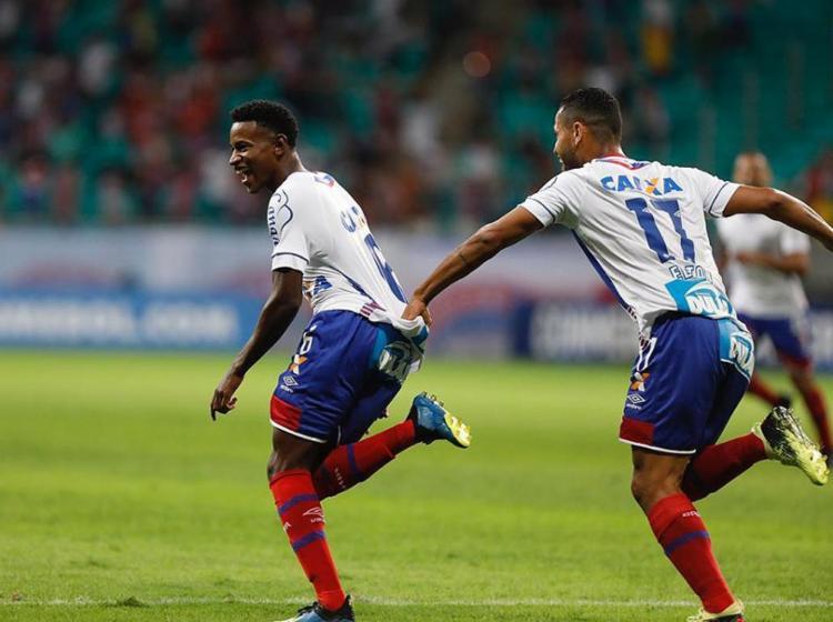 Ramires comemora após marcar o seu primeiro gol como profissional - Foto: Tiago Caldas l Ag. A TARDE