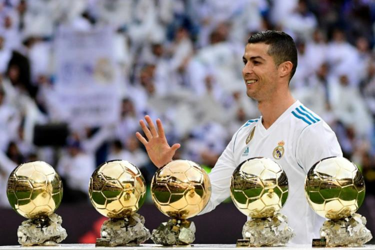 Os favoritos ao prêmio são o croata Luka Modric, o português Cristiano Ronaldo e o egípcio Mohamed Salah - Foto: Pierre-Philippe Marcou   AFP