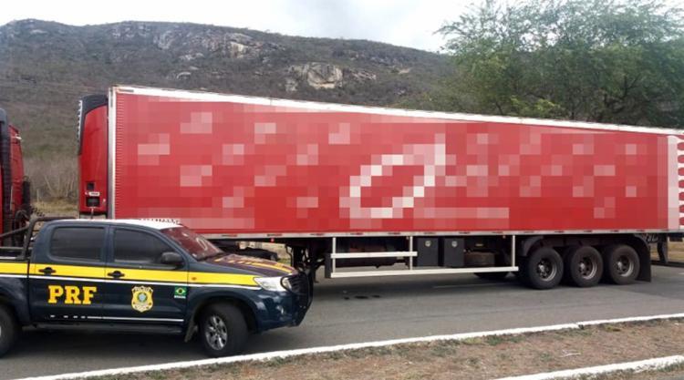 Carga de uvas estava sendo transportada da Bahia para o Rio de Janeiro - Foto: Divulgação | PRF