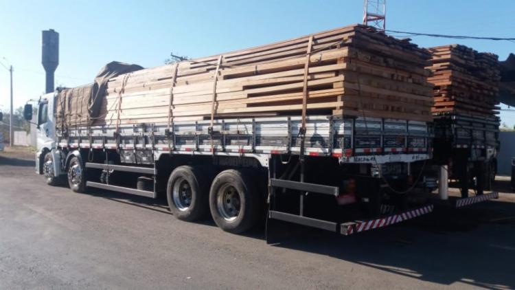 Os veículos irão continuar retidos e os condutores foram liberados - Foto: Divulgação | PRF-BA