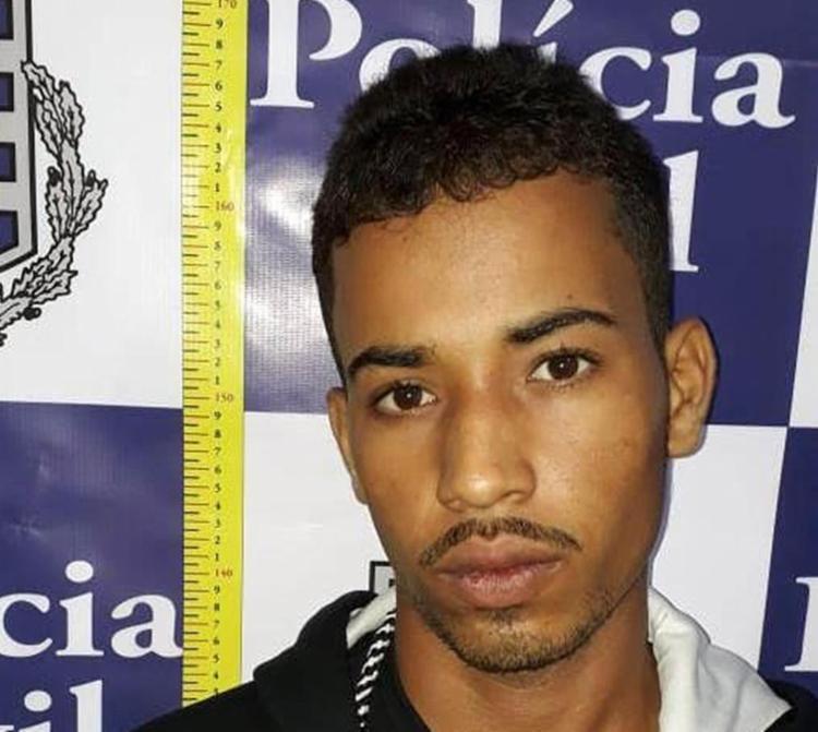 Carlinton Souza Barbosa, conhecido como Ninho, foi autuado por tráfico de drogas e receptação - Foto: Divulgação l Polícia Civil