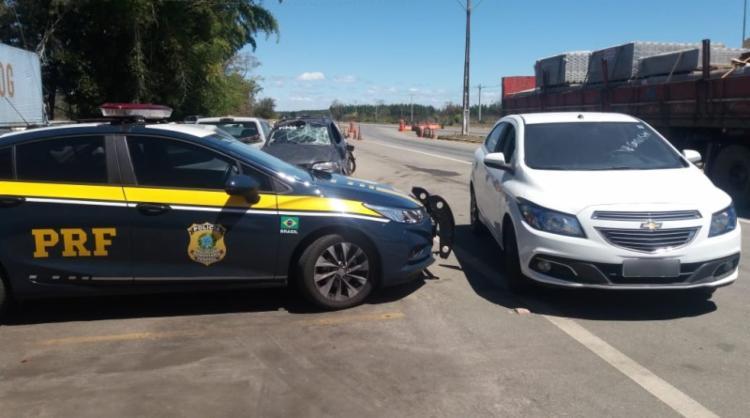 O homem apontado como receptor confirmou que aguardava o carro, mas que era do irmão dele - Foto: Divulgação | PRF