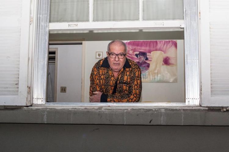 Aos 67 anos, o santamarense Cézar Mendes lança seu primeiro disco, Depois Enfim - Foto: Fred Siewerdt / Divulgação