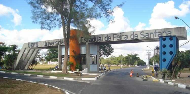A universidade abriu um Processo Administrativo Disciplinar (PAD) e os dois servidores foram demitidos - Foto: Reprodução | UEFS