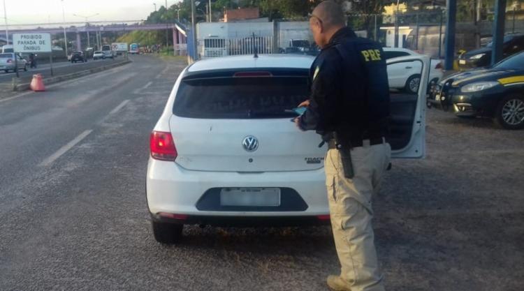O veículo modelo VW/Gol seria levado para Feira de Santana - Foto: Divulgação | PRF