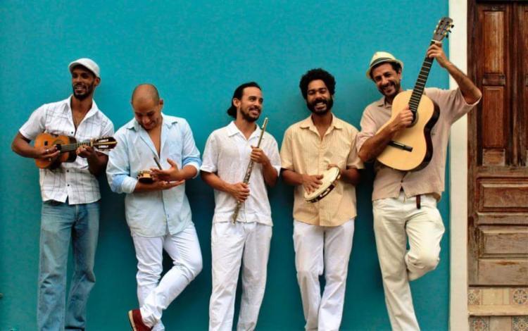 Sucessos de Riachão, Nelson Rufino, Paulinho da Viola, Cartola, além de músicas autorais estarão no repertório - Foto: Divulgação