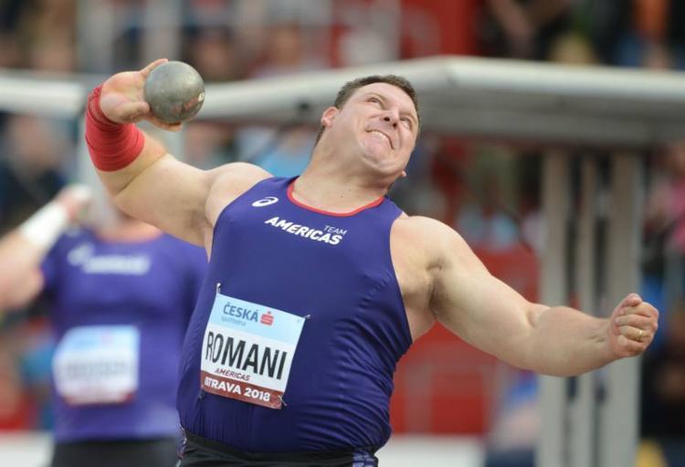 Darlan Romani durante a prova de arremesso de peso em Ostrava, na República Checa - Foto: Michal Cizek | Arquivo | AFP