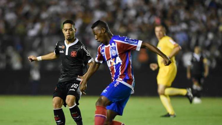 Tricolor atuou boa parte do jogo com um jogador a menos - Foto: André Durão