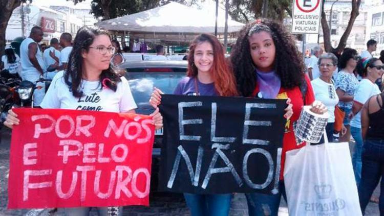 Em Feira de Santana, manifestantes foram às ruas na manhã deste sábado - Foto: Reprodução   Aldo Matos   Site Acorda Cidade