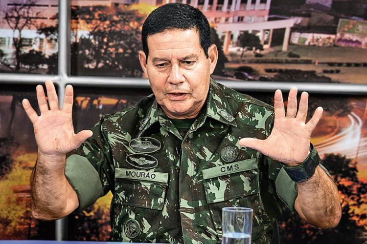 Mourão critica os benefícios trabalhistas quando passa ao tema da reforma trabalhista - Foto: Divulgação