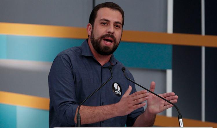 O candidato do PSOL lembrou as diferenças que seu partido tem com o PT - Foto: Miguel Schincariol | AFP