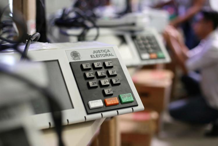 Bahia tem 35 mil urnas eletrônicas em 31 mil seções eleitorais (Foto: Raul Spinassé | Ag. A TARDE)