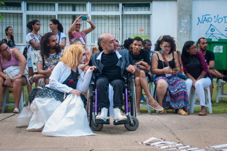Professores da Escola de Dança desenvolvem o projeto Acessibilidade em Trânsito Poético - Foto: Divulgação