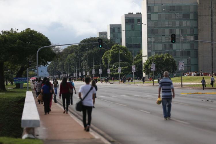 Mudanças para os servidores da União serão apresentadas ao presidente eleito - Foto: Agência Brasil