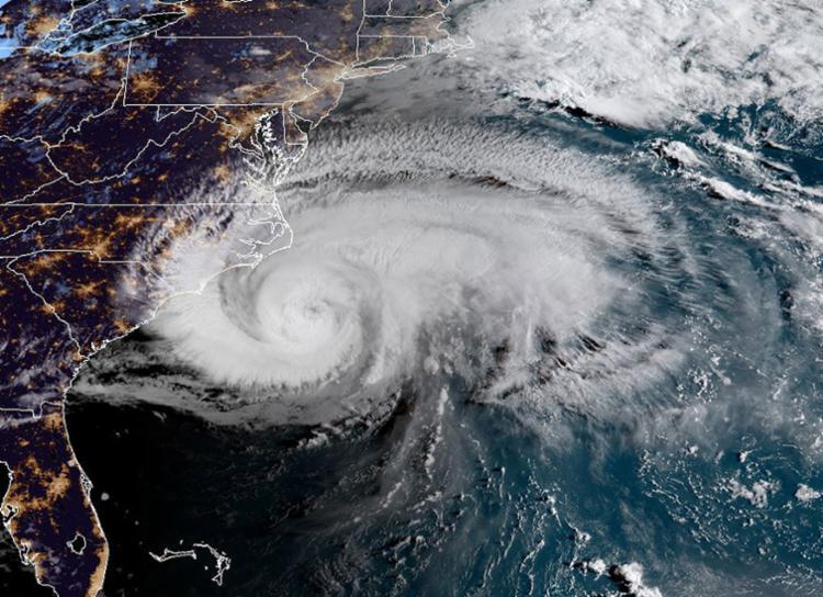 Florence deve levar ondas de tempestade e chuva às Carolinas - Foto: Jose Romero | AFP
