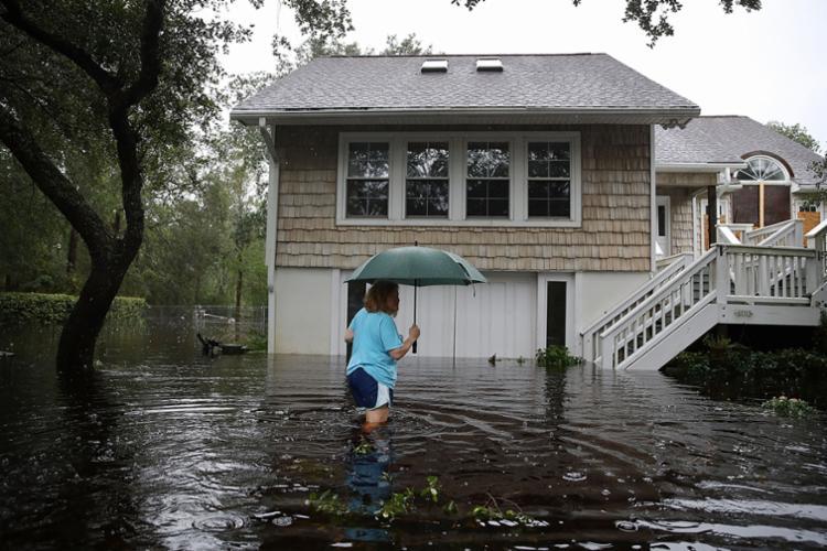 Florence continuou inundando áreas da Carolina do Norte e da Carolina do Sul na manhã deste sábado - Foto: Joe Raedle | AFP