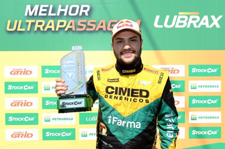 O piloto da Cimed deixou para trás Lucas Di Grassi - Foto: Duda Bairros | Stock Car | Divulgação