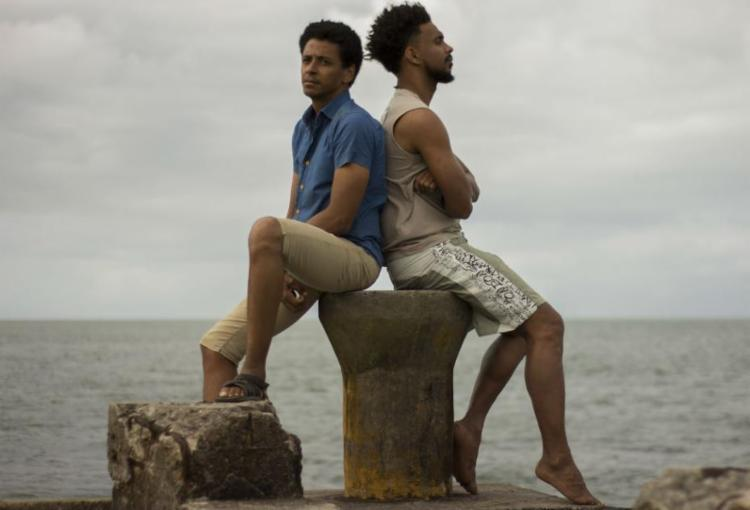 Glenda Nicácio e Ary Rosa, cineastas formados pela Universidade Federal do Recôncavo (UFRB) tiveram seu filme 'Ilha' selecionado para a mostra - Foto: Divulgação