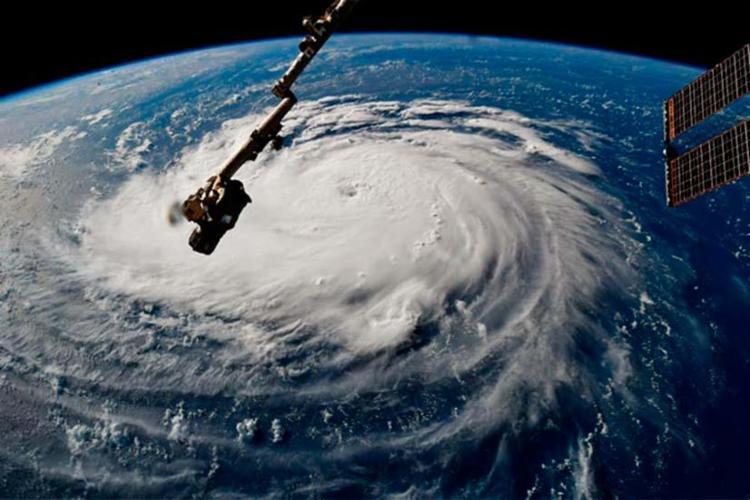 Ainda considerado devastador, o furacão Florence caiu para a categoria 1 - Foto: NASA | Ricky Arnold | Divulgação