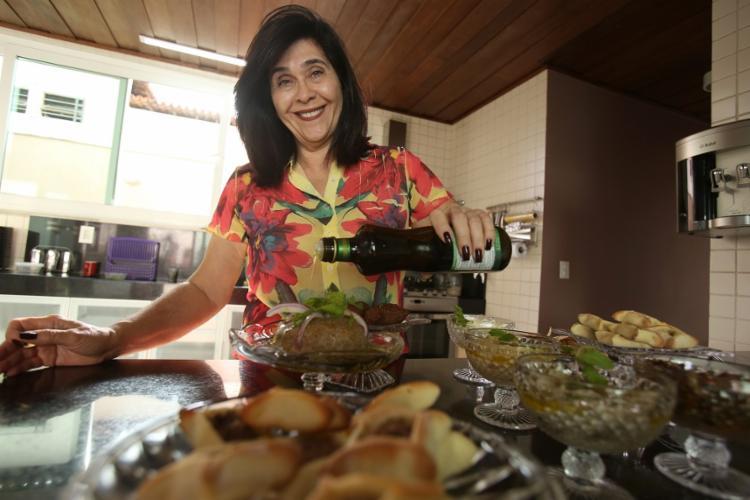 Samia Kalid investe nas receitas de família e recebe encomendas pelo Instagram
