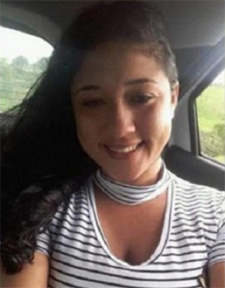 Mesmo ferida, Géssica pegou o filho no colo e tentou se proteger - Foto: Reprodução