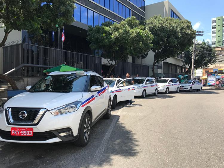 Taxista foi ameaçado com uma faca e teve dinheiro, celular e outros pertences levados - Foto: Foto: Gabriel Ribeiro