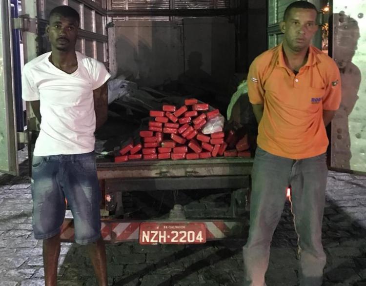 Homens foram presos no ferry na noite desta quinta-feira, 20 - Foto: Alberto Maraux | SSP-BA | Divulgação