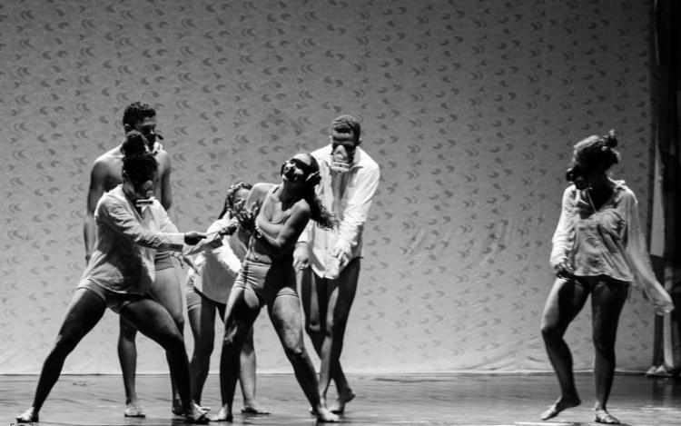 """O público poderá participar da oficina """"Percussão e Movimento Consciente através da Dança"""" - Foto: Kelson Souza"""