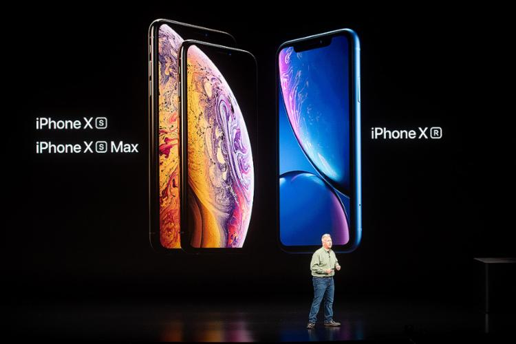 Aparelhos têm tela de 5,8 polegadas, 6,5 polegadas e 6,1 polegadas, respectivamente e possuem tela 'infinita', quase sem bordas, seguindo o design do iPhone X, lançado em 2017 - Foto: Noah Berger l AFP