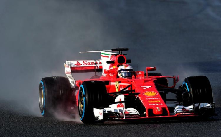 O piloto completou a melhor de suas 35 voltas em 1min38s699 - Foto: AFP