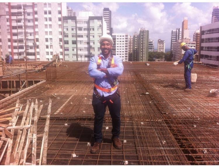 Caio Braga, de 22 anos, está no último semestre do curso de Engenharia Civil