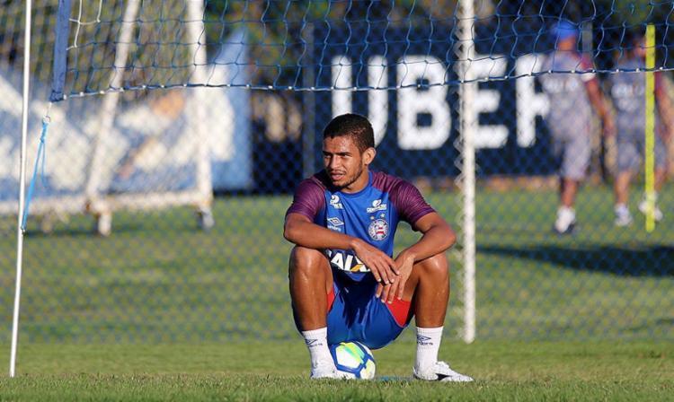 Meia Tricolor foi testado jogando mais centralizado no meio campo - Foto: Felipe Oliveira l EC Bahia