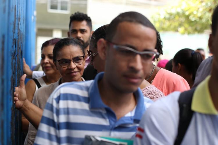 candidata à presidência voltou para o final da fila após reclamação de usuário do plano - Foto: Raul Spinassé | Ag. A TARDE