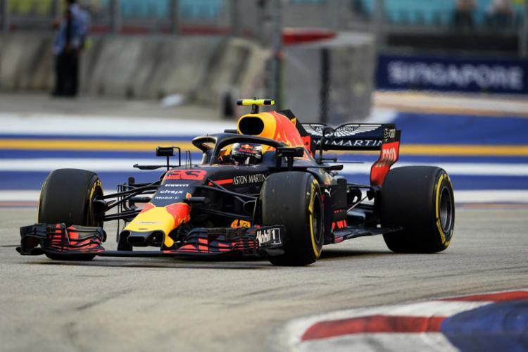 O piloto da Red Bull terminou em segundo lugar ao conter as investidas do alemão Sebastian Vettel - Foto: AFP
