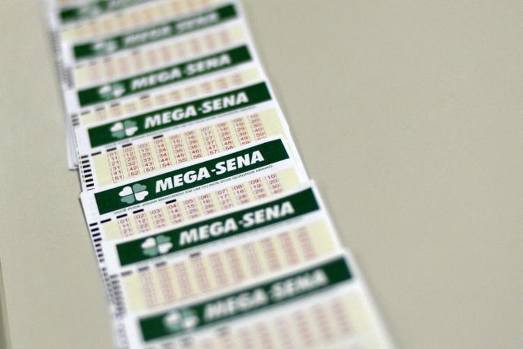 O próximo sorteio da Mega-Sena será realizado nesta quarta-feira - Foto: Marcello Casal Jr.   Agência Brasil