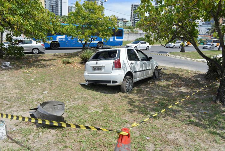 Veículo da vítima ainda está no local