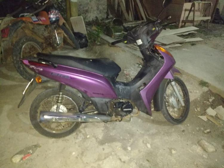 Motocicleta supostamente furtada por Oscar Rodrigues Novais