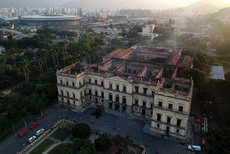 A tragédia aniquilou importantes vestígios históricos do Brasil e do mundo - Foto: Mauro Pimentel l AFP