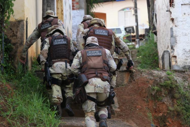Policiais cumpriram mandados de prisão e busca e apreensão em Ilhéus e Itabuna